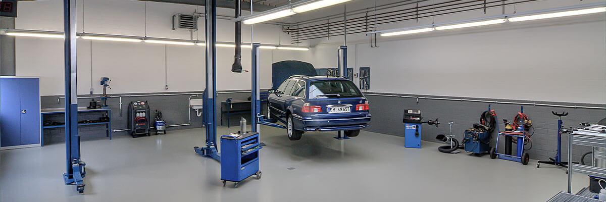 Innen BMW Mini KFZ Autowerkstatt